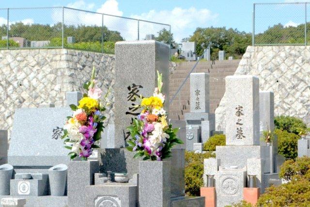 お墓の納骨堂の違い